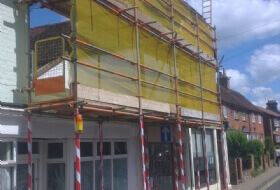 Shop Front Pavement Scaffold in Bedford